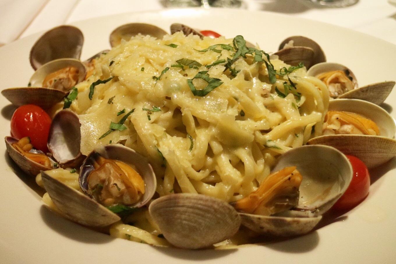 Linguini Vongole @ Dockside Restaurant ($40 Menu)